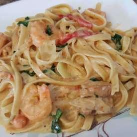 Fettuccini alfredo shrimp chk